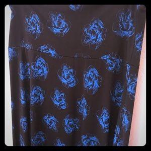 Size medium LuLaRoe maxi skirt, gently used